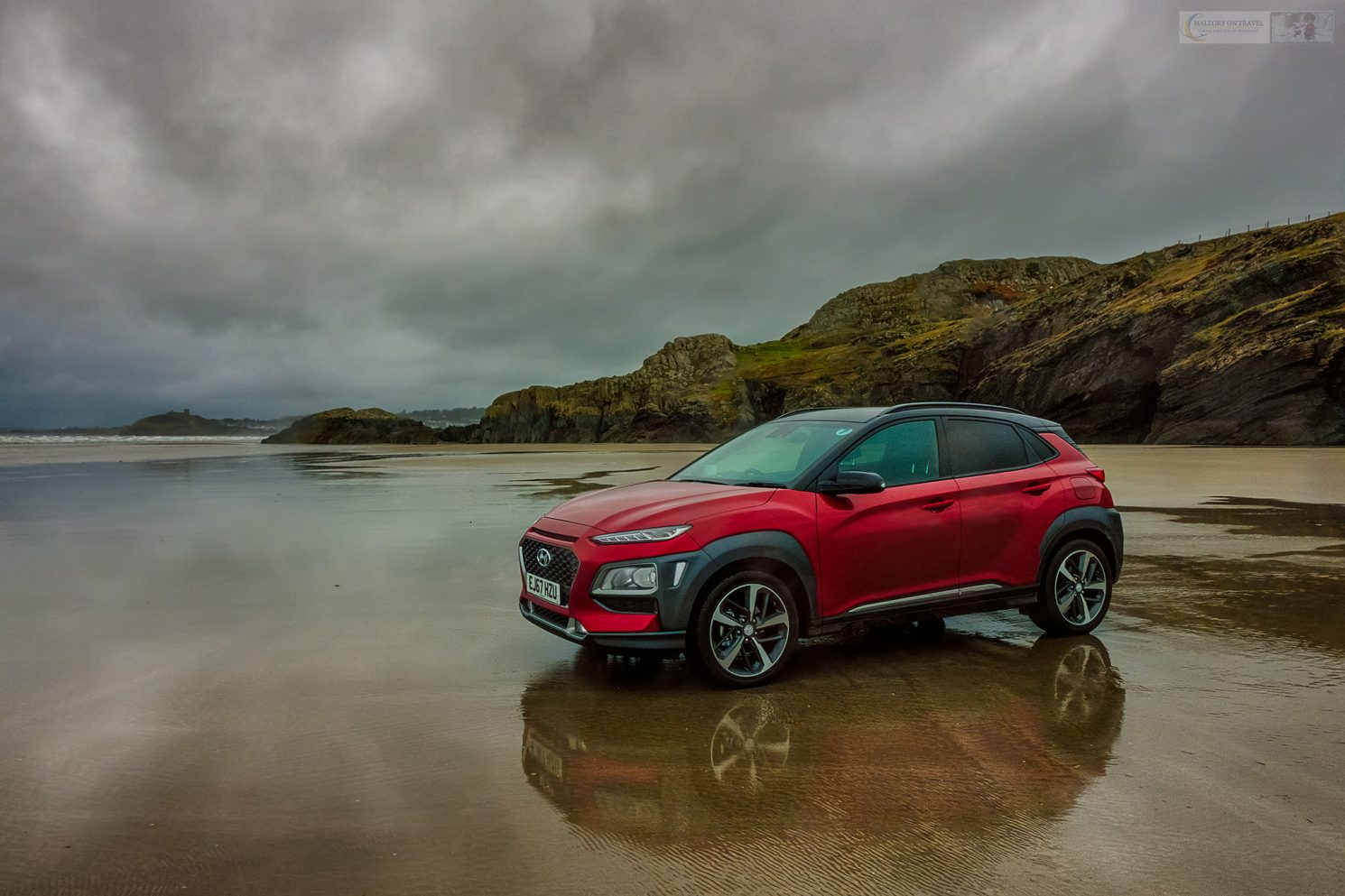 The Hyundai Kona Premium SE at Black Rock Sands, Porthmadog in the Snowdonia National Park, north Wales on Mallory on Travel adventure travel, photography, travel Iain Mallory_Hyundai 006